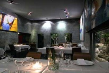 Lim's Restaurant  phuket best nightlife nightclubs