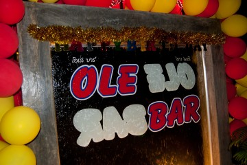 Ole Bar nai harn beach phuket nightlife