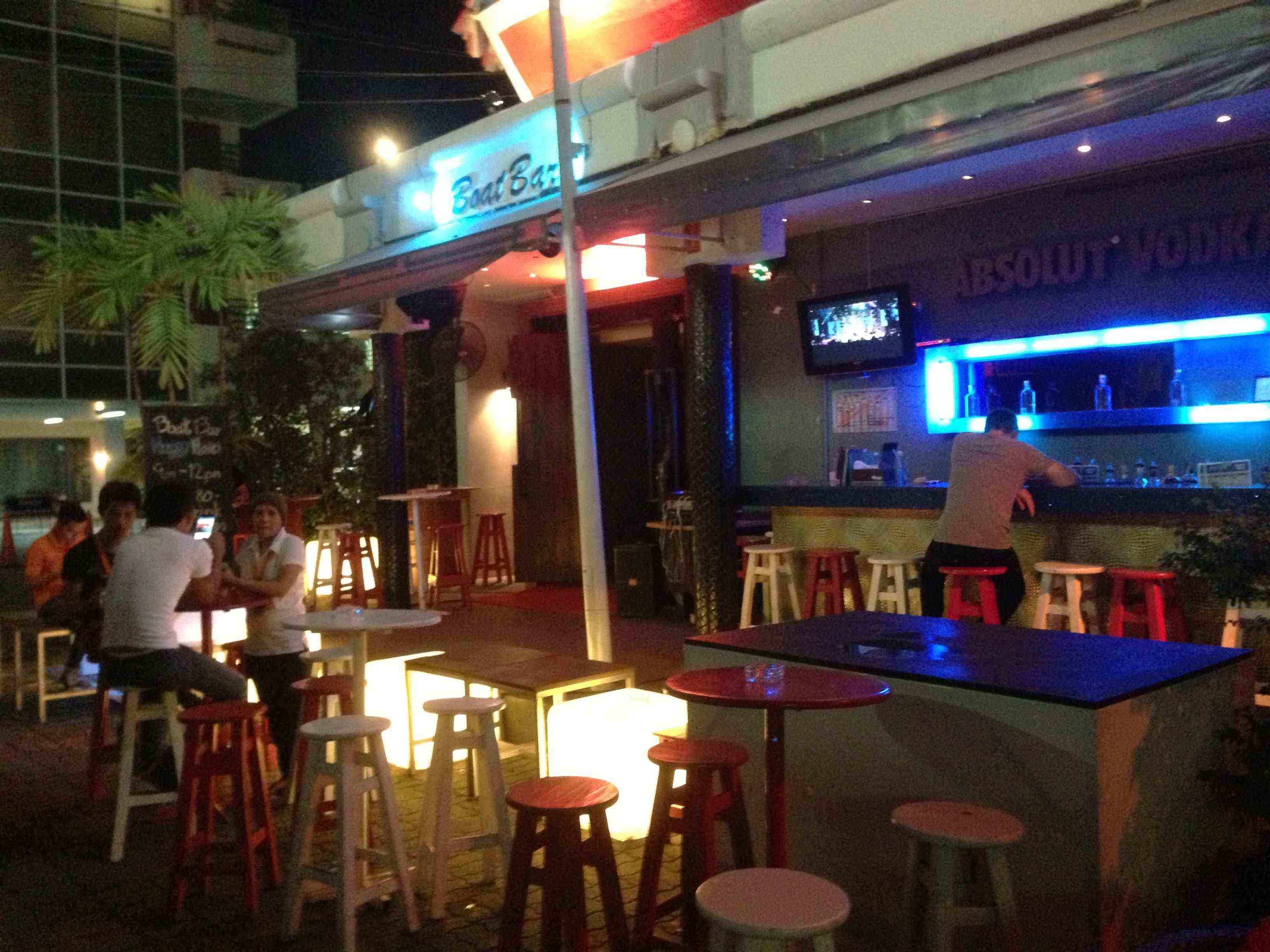 GUIDE TO GAY CLUBS, SHOWS & BARS in Phuket